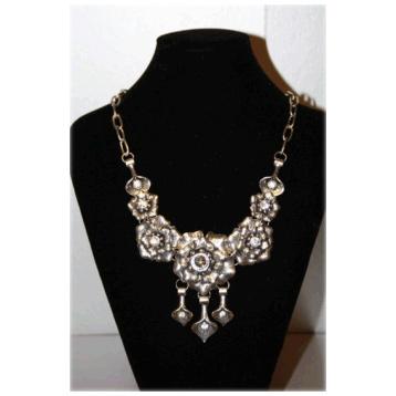 7 Flower Necklace