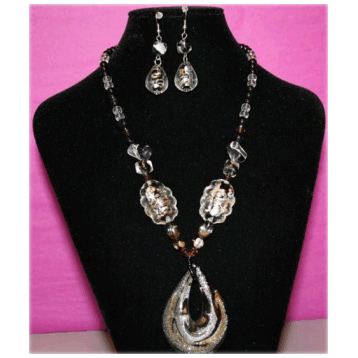 Glass Loop Necklace with Earrings